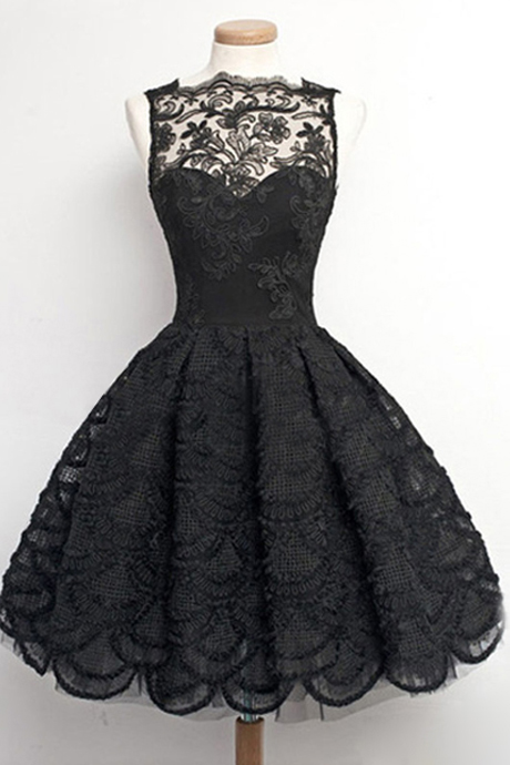 Vintage A-Line Bateau Knee Length Black Prom/Homecoming Dress with Appliques